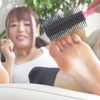 [Foot tickling] Tickling the soles of Mao Hamasaki